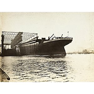 Titanic Under Construction Image