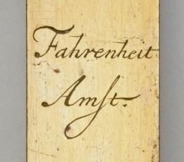 Daniel Gabriel Fahrenheit Thermometer signature