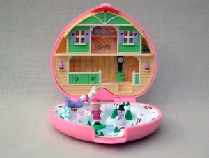 D Polly Pocket winter