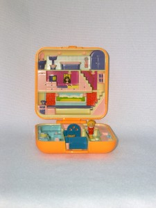 E polly pocket town house