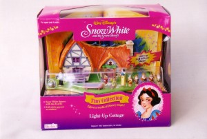 K  bluebird tiny col snow white polly pocket