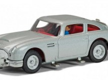 New Silver James Bond Aston Martin DB5 from Corgi
