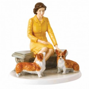 royal-doulton-queen-elizabeth-90-at-home