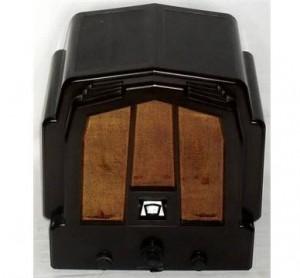 EKCO model M23 with bakelite case