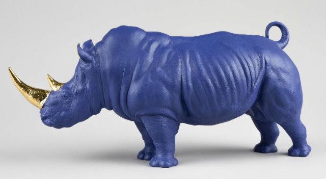 lladro blue rhino closeup